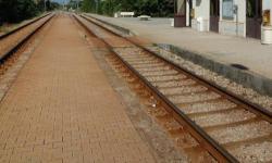 piccola stazione ferroviaria (particolare)