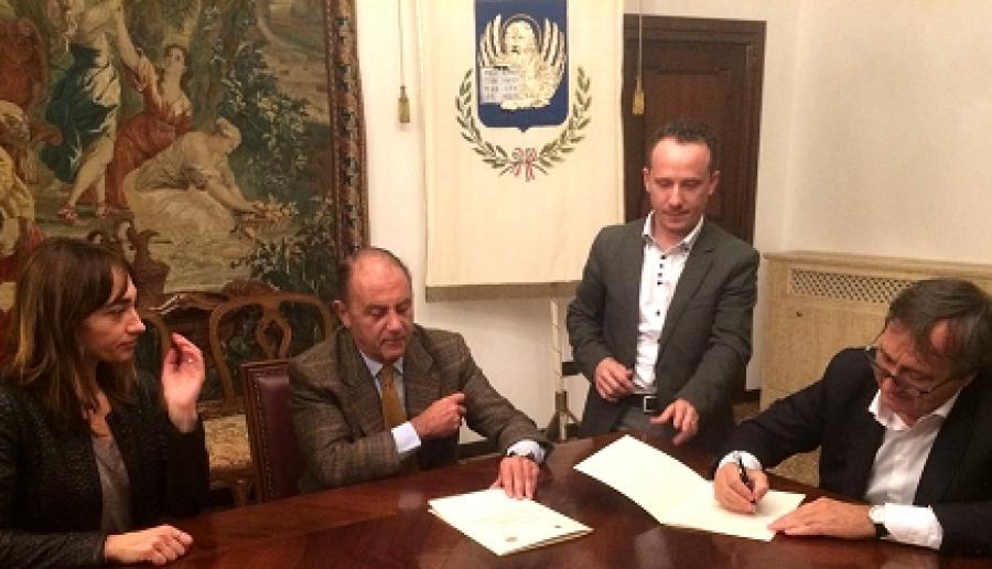 Sottoscrizione del Protocollo antiviolenza( Foto: Ufficio comunicazione del sindaco)